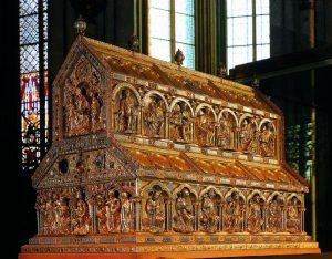 Ковчег с мощами волхвов в Кельнском соборе.